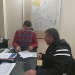 Firman convenio para promover la formalización laboral de taxistas